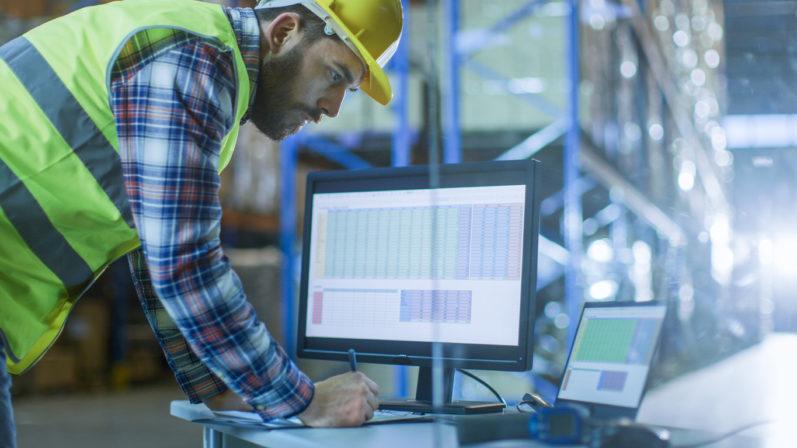 Por que você deve reduzir o uso do Excel na gestão de fábrica